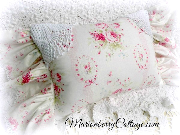 Sweet Sue Pillow Cottage Shabby charm pink roses