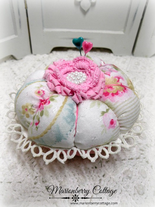 Jewelry Pin Keep pink crochet rose shabby pink charm