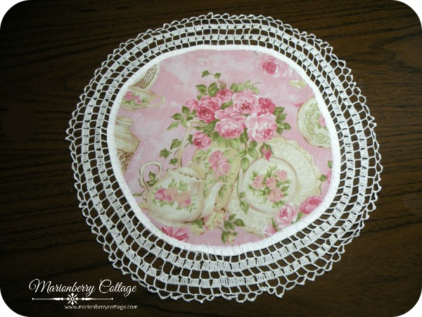 Vintage crochet Tea and pink roses Doily