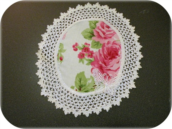 Vintage Ivory round doily pink roses