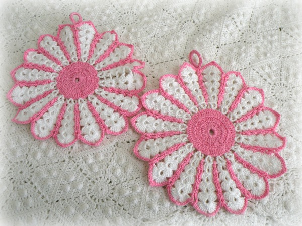 Cottage Kitchen Vintage hand made pink potholders