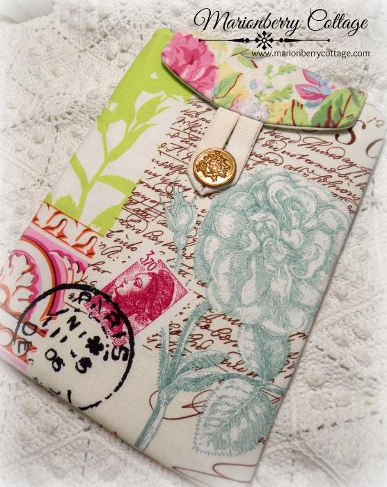 Kindle/tablet/Ipad mini Sleeve Paris Postmark Script