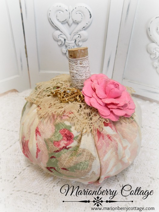 Romantic roses w/crochet and pink rose Punkin 6""