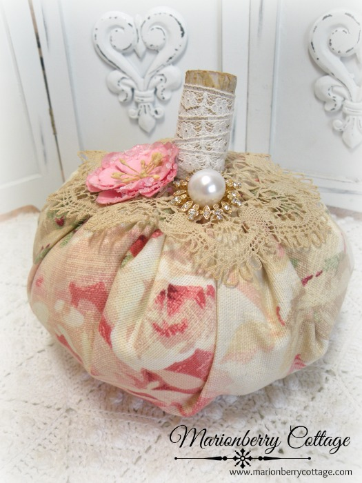 "Romantic roses w/crochet and pink rose Punkin 6""a"