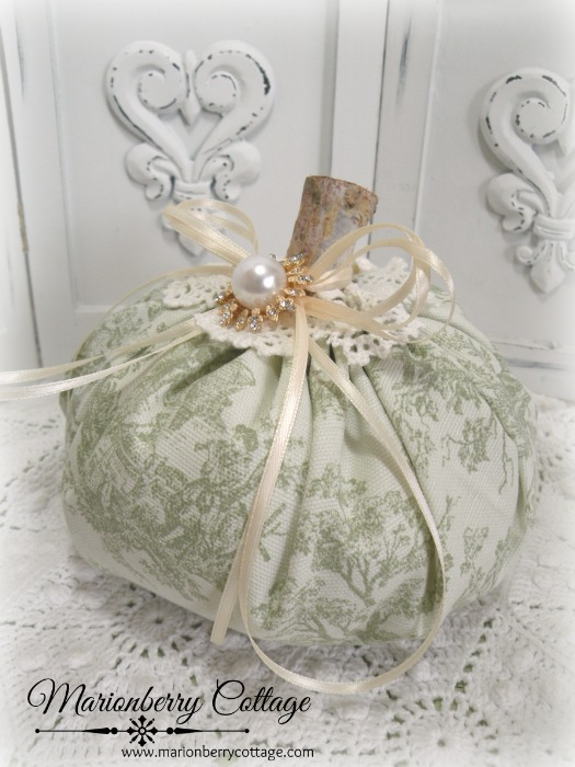 Cottage Green Toile punkin 6""
