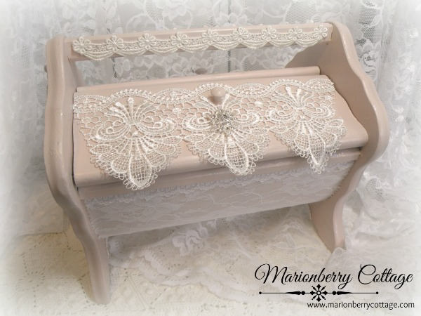 Vintage Lace Victorian pedestal display box