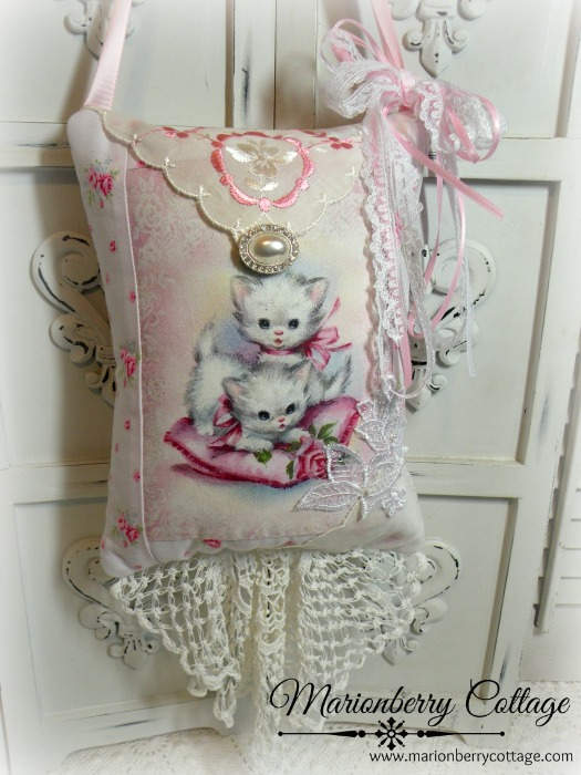 White Kittens KEEPSAKE Gift Pillow w/matching tag and sachet