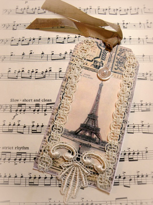 French Eiffel Tower gift tag