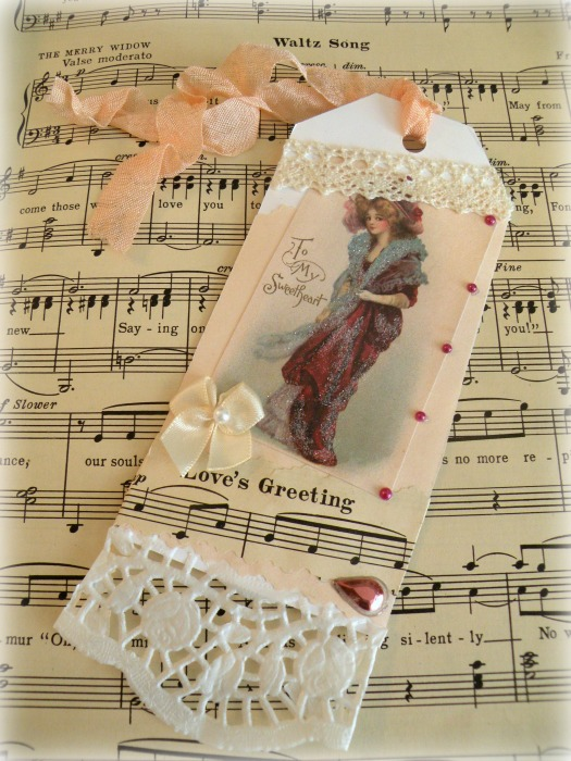 Vintage Lady Sweetheart gift tag