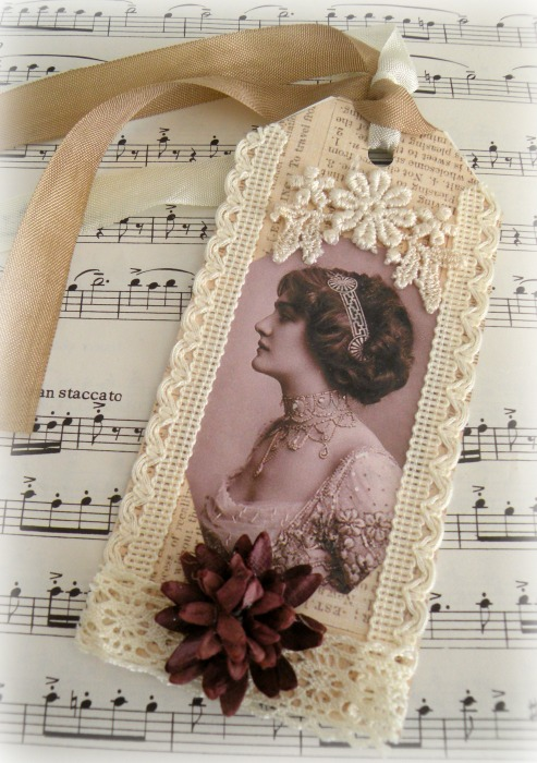 Vintage Lady gift tag